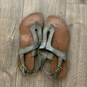 Cute Grey sandals for the spring and summer!
